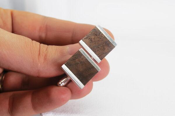 Butoni din argint cu insertii din lemn de nuc american