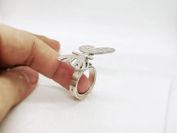 "Inel kinetic din argint din colectia ""Tinker, Tailor, Artist … FLY!"""