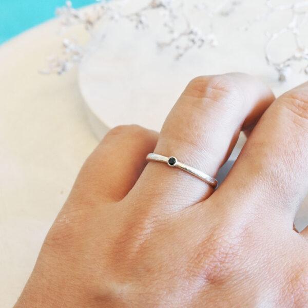 Inel din argint cu zirconiu negru
