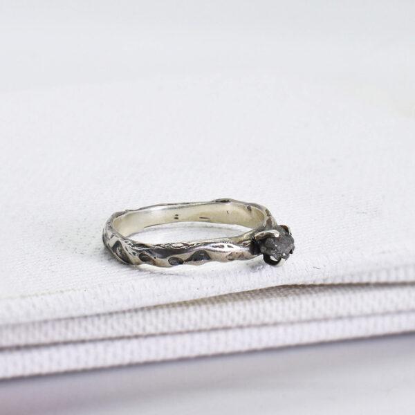 "Inel de logodna ""Rough Diamond"""
